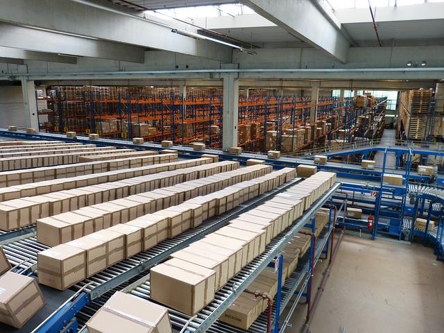 logistics-852935_640